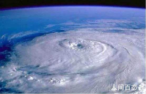 1号台风黄蜂已加强为热带风暴 正以每小时20公里的速度向北方向行进