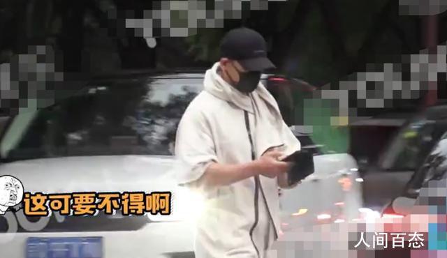 48岁赵文卓闯红灯 引发了大量粉丝的热议
