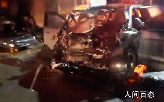 美军装甲车与韩国私家车相撞 私家车上4人全部死亡1名美国军人受轻伤