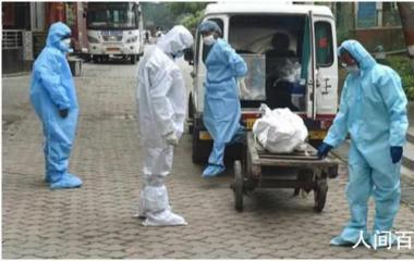 印度一新冠死者肺部硬如皮球 且患者死后体内仍存新冠病毒