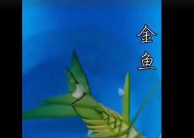 七旬老人用棕叶编出花鸟鱼虫 造型做的栩栩如生