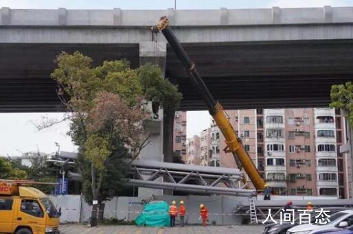 广州在建大桥垮塌 目前无人员伤亡