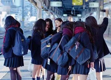 日本学校检查学生里衣 这些校规非常荒谬甚至涉嫌侵犯人权