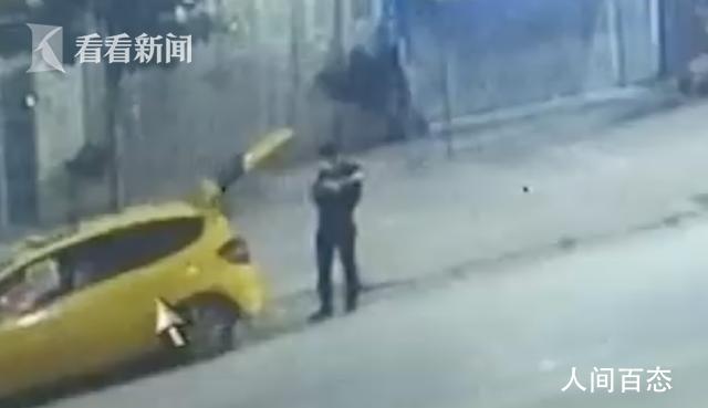 两男子为逃避执法给警车装定位 结果悲剧了