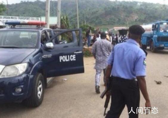 多名枪手在尼日利亚劫持数百学生 目前尚不清楚有多少学生被绑架