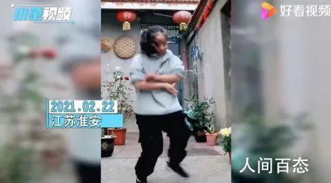 11岁农村女孩跳舞引网友喊话出道 网友:这是真的热爱跳得很好