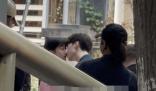 范丞丞关晓彤吻戏路透 二人正在拍摄男生主动亲吻女方的一场戏