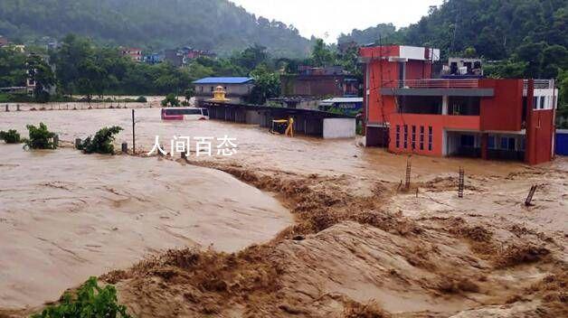 千年一遇的郑州暴雨转移躲避了约10万人