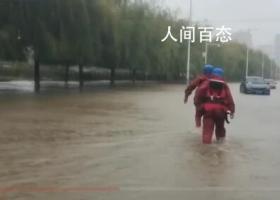 辽宁连发暴雨红色预警海边狂风呼啸 降水量已达到50到65毫米